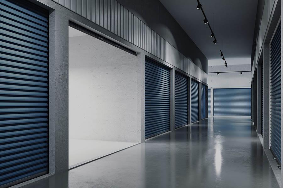 otwarty garaż